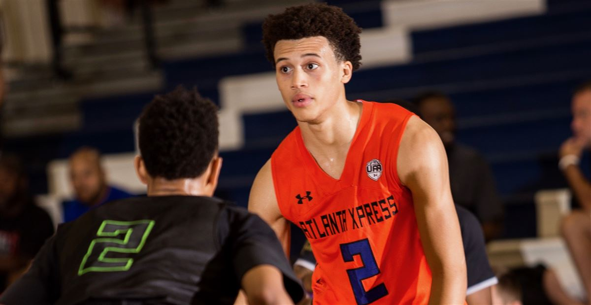 #UVA makes the final five for 2019 shooting guard Chase Hunter … https://t.co/mj4ero8stN https://t.co/Wd015Usmyi