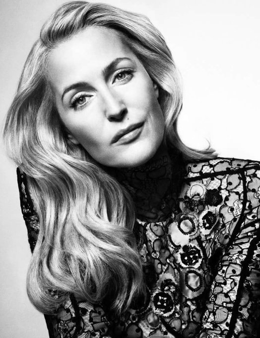 Happy Birthday! actress Gillian Anderson