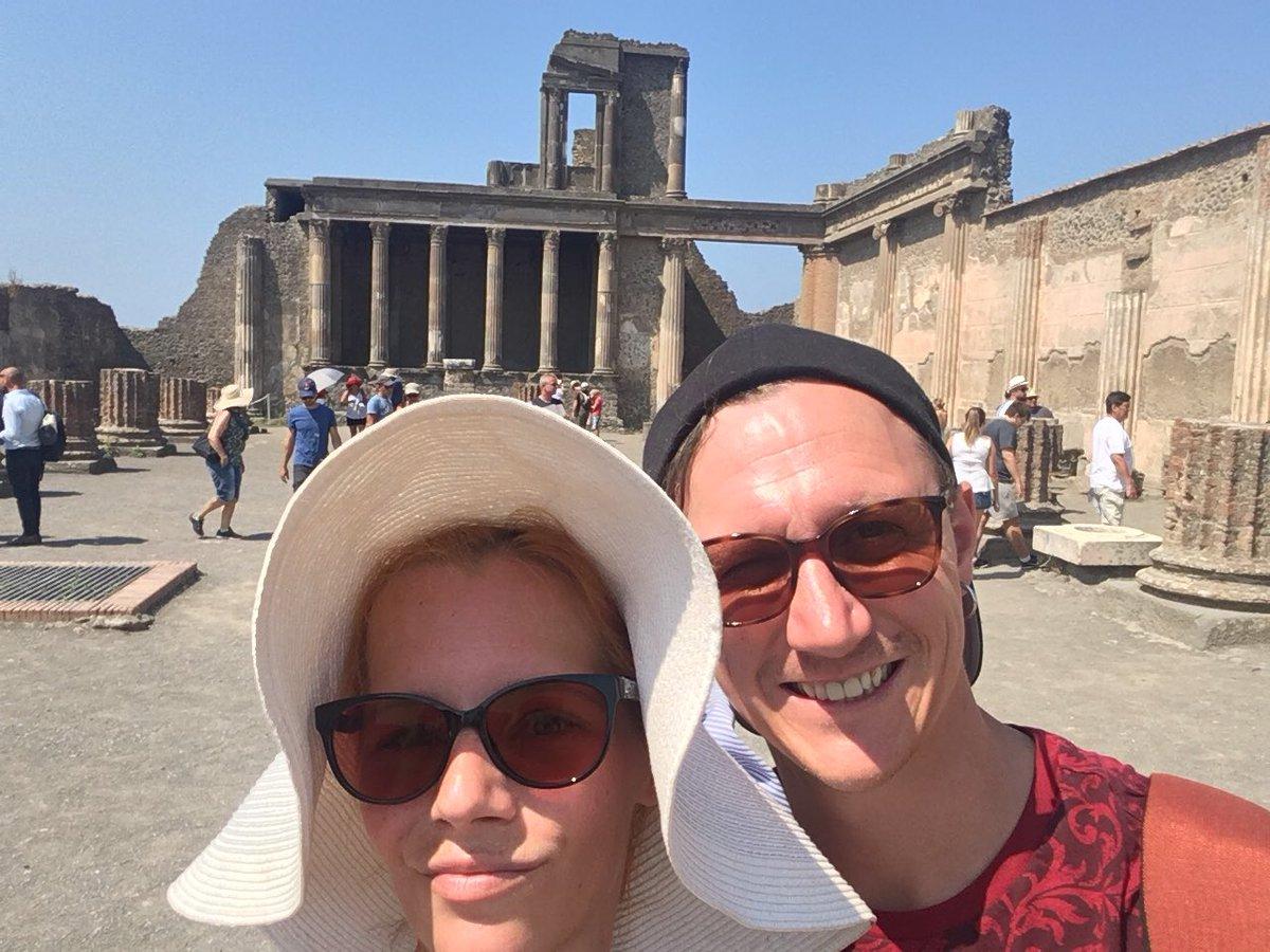 1 pic. Popei and San Marino 😍 I love Italy!!!! czIonUYJE6