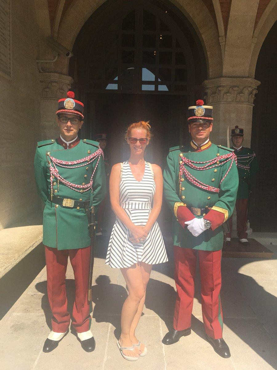 2 pic. Popei and San Marino 😍 I love Italy!!!! czIonUYJE6