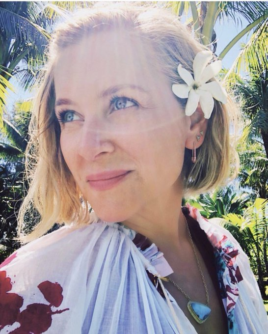 Jessica Capshaw deserves the world happy birthday again bby