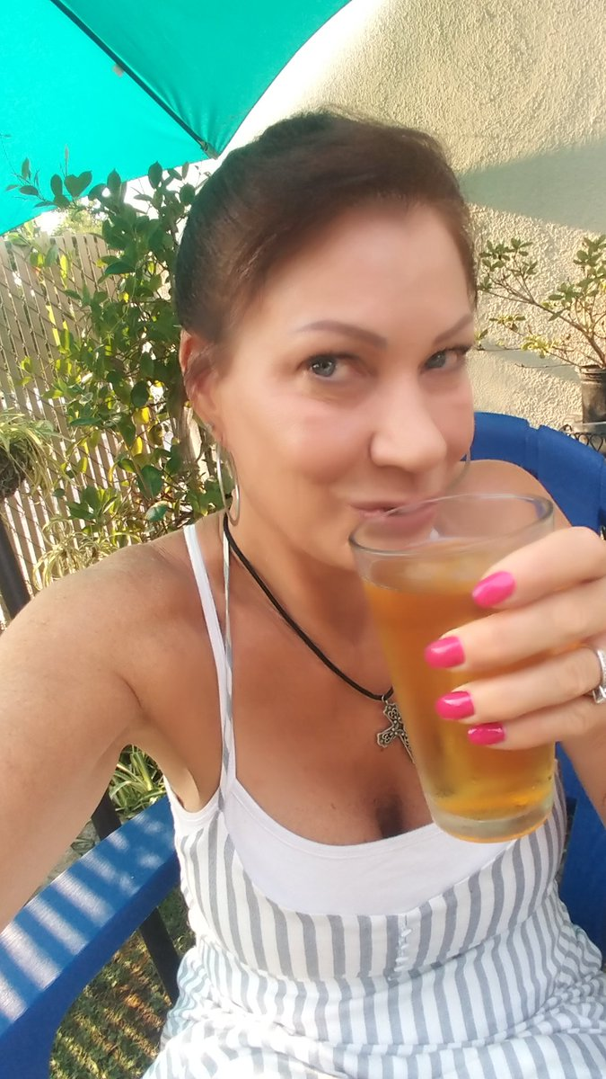 Thirsty Thursday in the backyard 2qNX2fa8lW