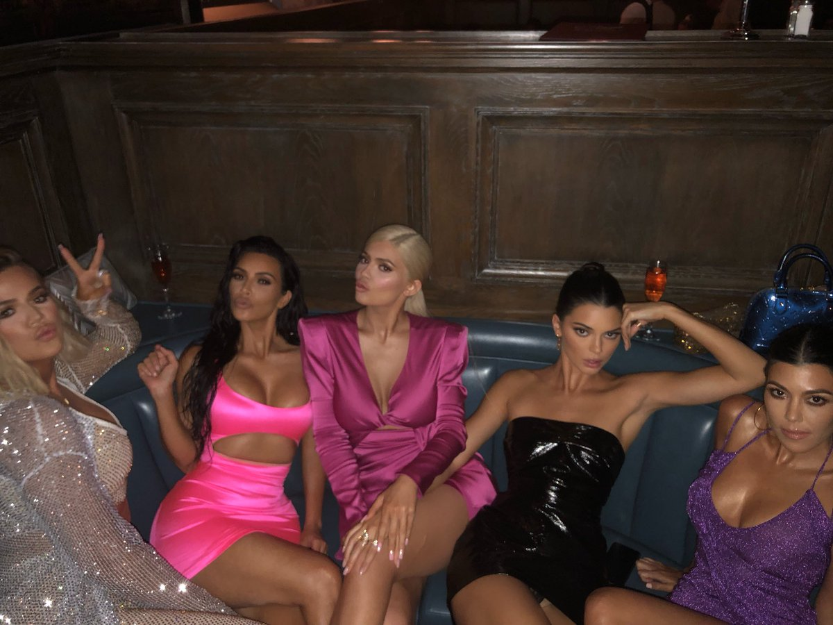 KYLIE'S BDAY TURN UP!!!! https://t.co/oq3ZHlh6NF