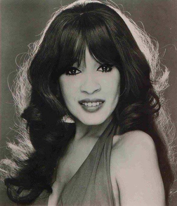 Ronnie Spector (Veronica Yvette Bennett / The Ronettes) Birth 1943.8.10 Happy Birthday