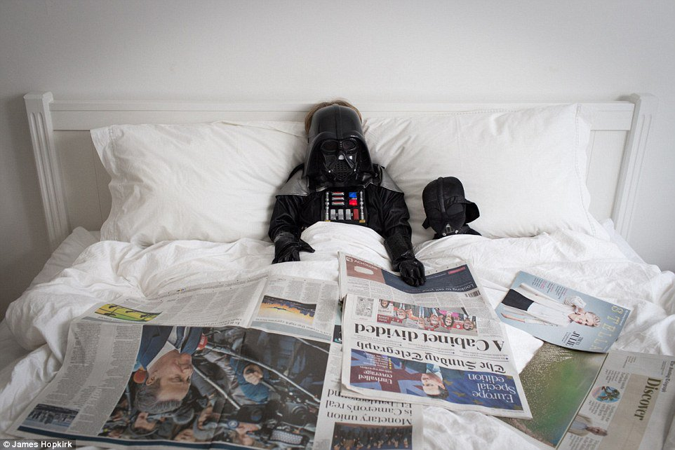 RT @skywalker_saber: Sometimes the Empire just has to wait for a little 'me' time.  #NationalLazyDay #StarWars https://t.co/jnFUCRetqm