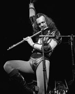 Happy Birthday Ian Anderson. The beer has been tapped. Raise a glass.
