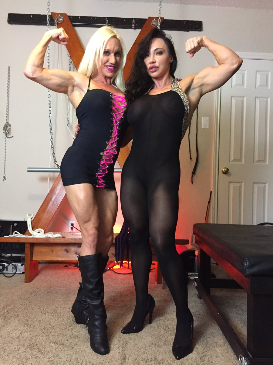 Sessioning with My Sexy Muscle friend tonight! We are planning a trip to #NYC together