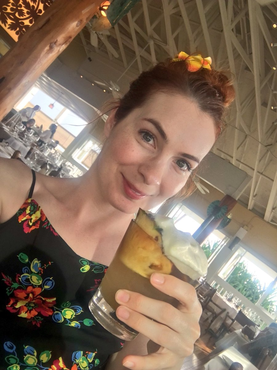 1 pic. Mai Tais I miss you. Bye Hawaii! I love you and loved being offline for a week, whew! /