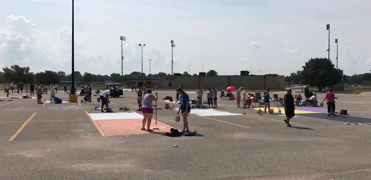 RT @Wichita_NW: Senior Parking Spot Painting is in full swing! @nwhs_2019  #newtradition #PrideRespectExcellence https://t.co/bq2LlH5NWV