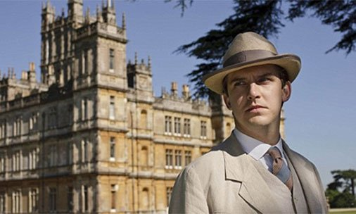 Dan Stevens teases DowntonAbbey movie appearance with this new photo: