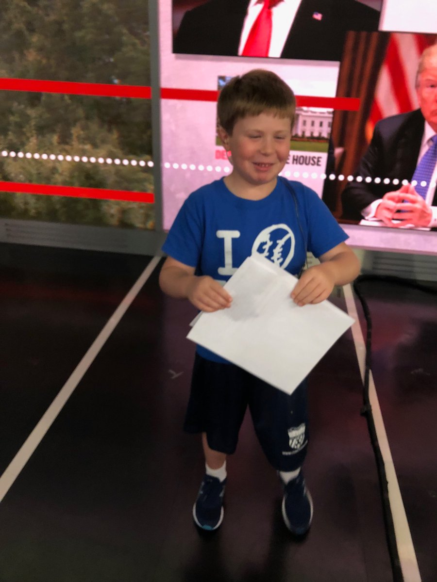RT @NicolleDWallace: I have a new producer in the studio today! https://t.co/vozzsPt350