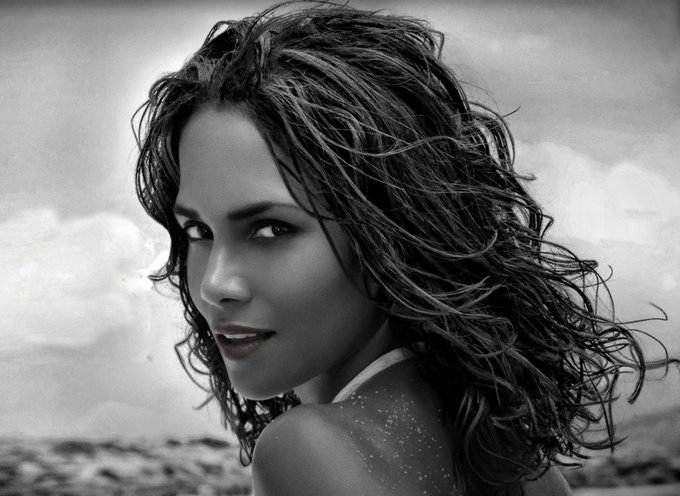 Halle Berry - Happy Birthday!