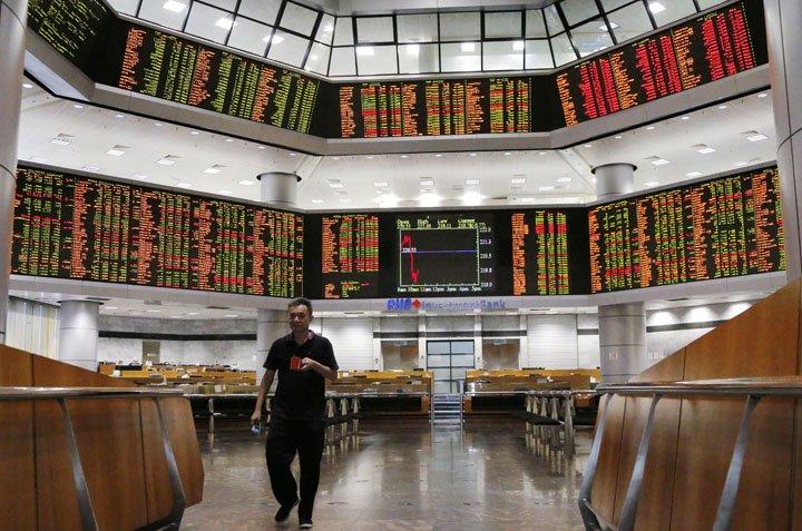 @BroadcastImagem: Bolsas asiáticas fecham sem direção única, em meio à recuperação parcial da lira. Yam G-Jun/AP