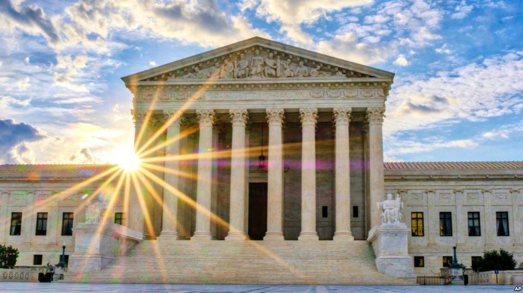 test Twitter Media - Decisión de Corte Suprema de EE.UU. libra a algunos inmigrantes de ladeportación https://t.co/JbkmbW4GZ6 https://t.co/ZlXExUVod2