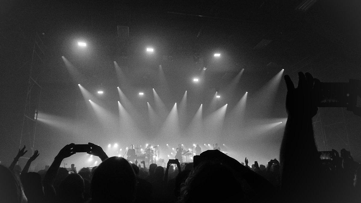 ไลฟ์ Nine Inch Nails โคตรดี แสงสีจัดเต็ม ซาวด์เนี้ยบ...