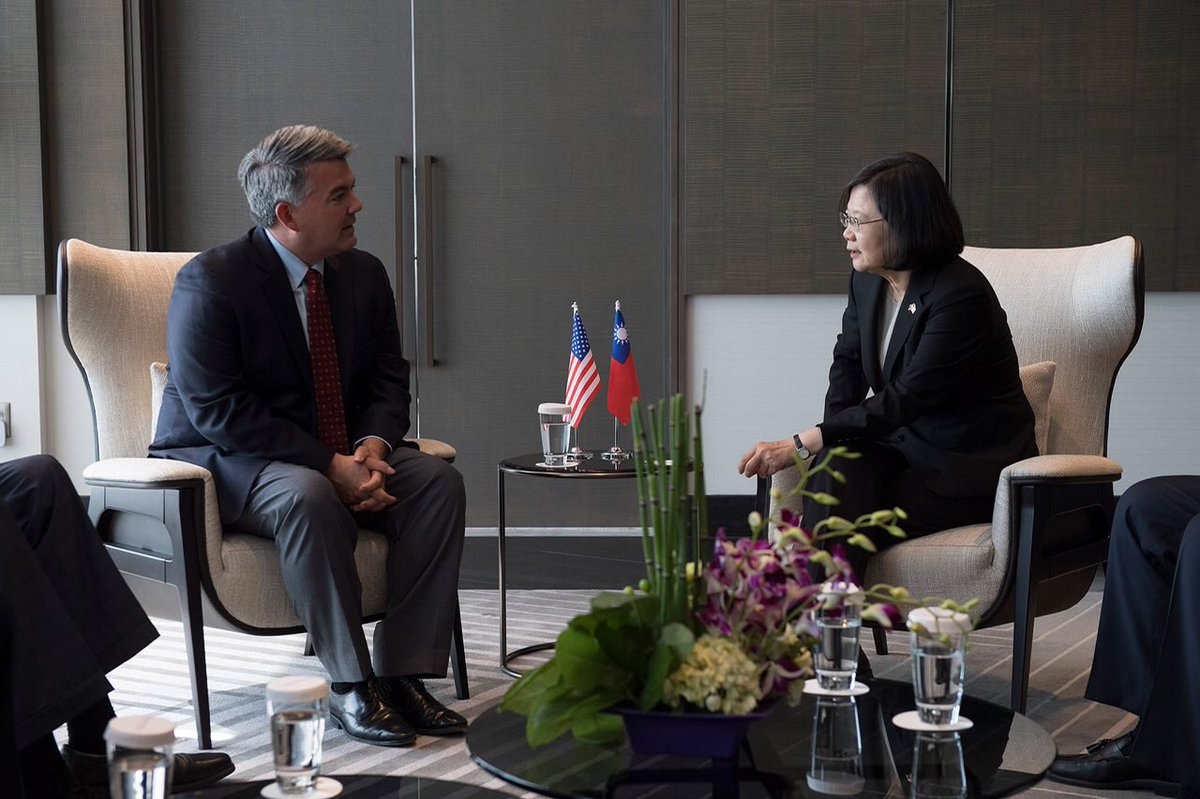 test Twitter Media - I was touched that @SenCoryGardner flew all the way from #Colorado to meet me in #LosAngeles. Thank you for your staunch support of #Taiwan & the values we stand for. https://t.co/UkDRTlC1BT