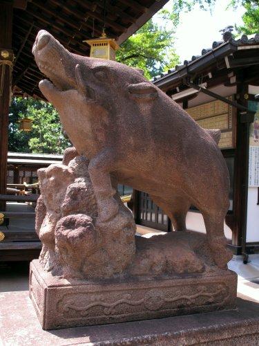 test ツイッターメディア - 【日本の神社仏閣】護王神社(京都府京都市) 足腰の守護神である和気清麻呂公命をまつり、和気清麻呂公命を守護した猪の伝説から猪を神使としています。 ※日本テレビ「スクール革命!」、週刊ポストで紹介いたしました。 https://t.co/6T66n2Hce9