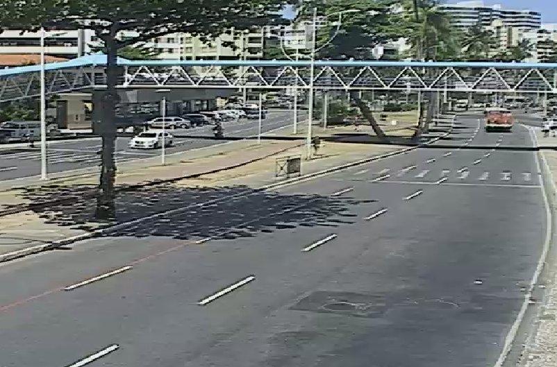 #Trânsito livre nos dois sentidos da Avenida Centenário. Fotos: SSP - BA https://t.co/pcNcU5o4k6
