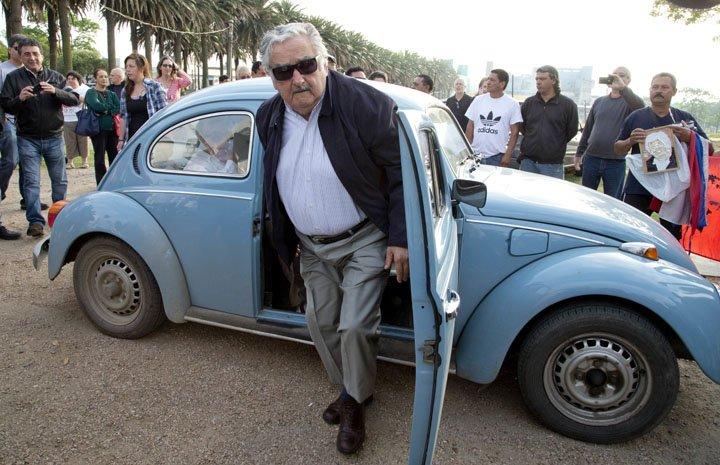 @BroadcastImagem: José Mujica, de 83 anos, renuncia ao cargo de senador por motivos pessoais e cansaço. Natacha Pisarenko/AP