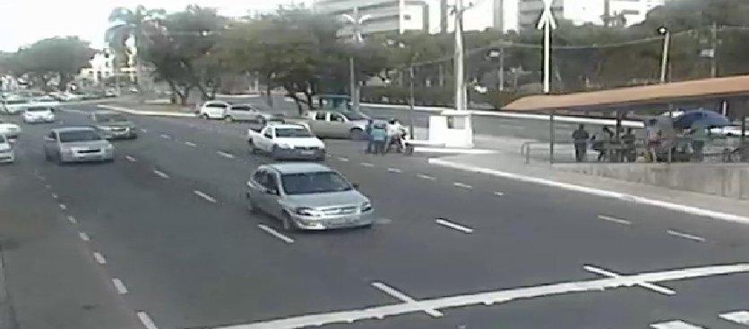 #Trânsito livre na Avenida ACM, nas proximidades do Shopping Paseo Itaigara. Foto: SSP-BA. https://t.co/pNyV4cb9CT