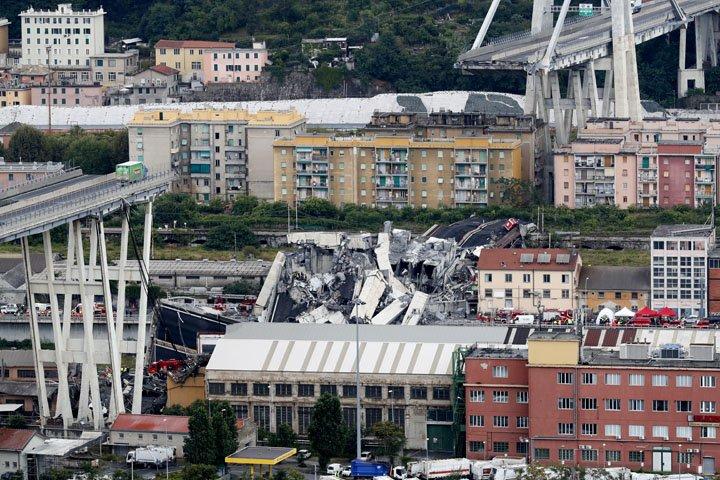 @BroadcastImagem: Sobe para 35 o número de mortos em desmoronamento de ponte em Gênova, na Itália. Antonio Calanni/AP
