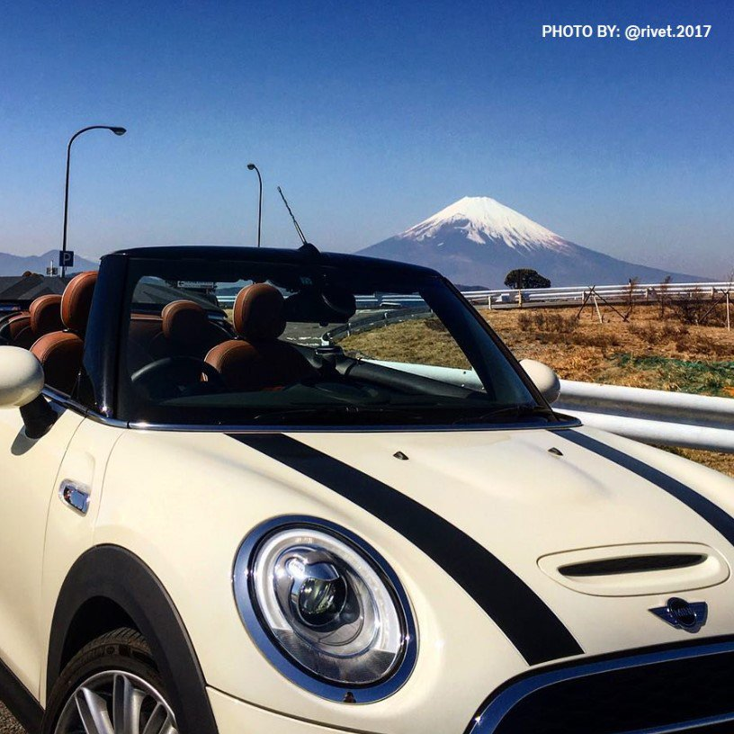Let loose and enjoy the fresh air in the #MINIConvertible https://t.co/4ZtBUHUB8v