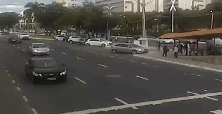#Trânsito livre na Avenida ACM, nas proximidades do Shopping Paseo Itaigara. Foto: SSP-BA. https://t.co/6p9vPAVveF