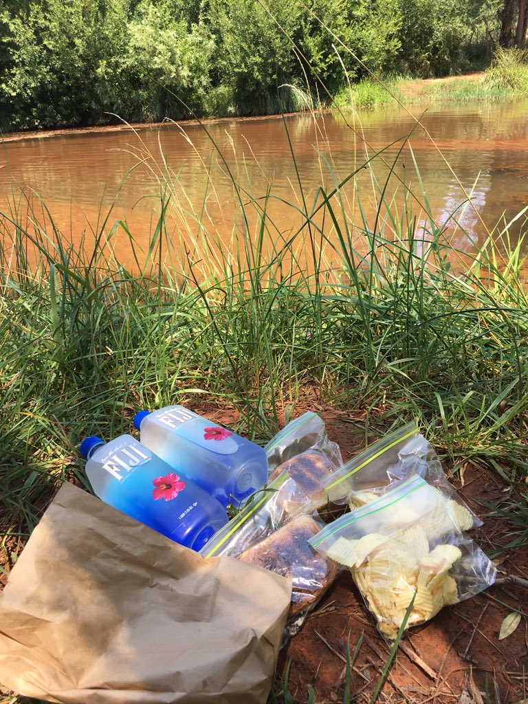 Sack lunch and a brown paper bag on the creek of Sedona 😋 f9PugDpBFU