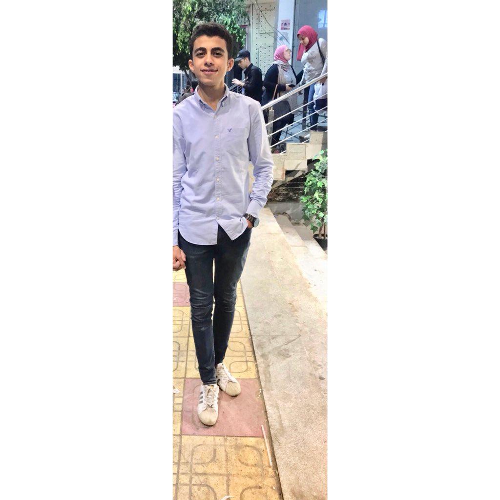 RT @ahmed_mahmood17: #NewProfilePic 🦅 https://t.co/gsBqzv6BxQ