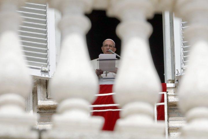 @BroadcastImagem: No Vaticano, Papa Francisco faz prece pelas vítimas do desabamento em Gênova. Andrew Medichini/AP