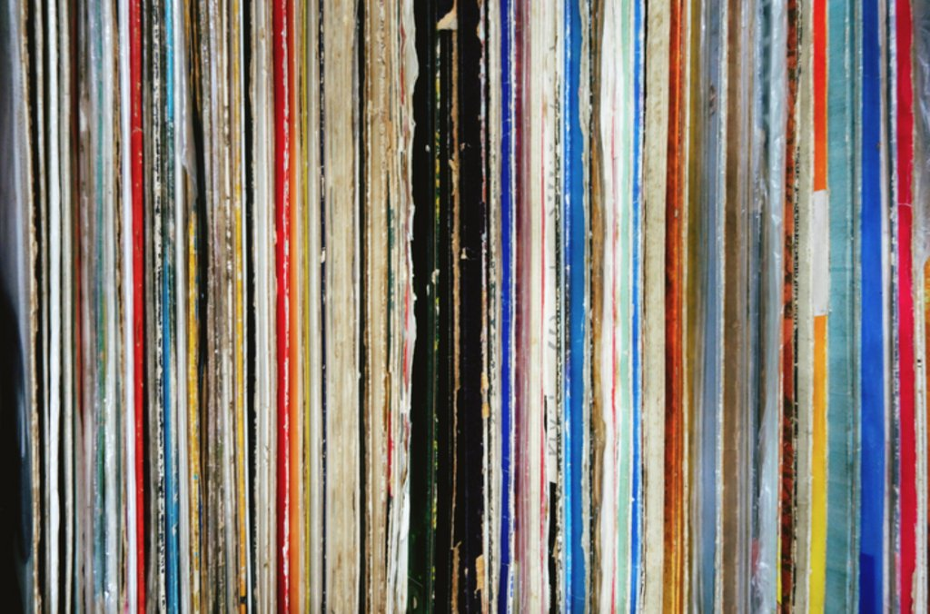 Anyone into collecting vinyl?? https://t.co/WX9nGHUD7I https://t.co/oAIF9W7qmX