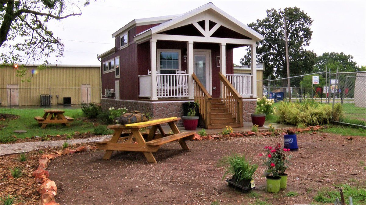 Neighbors to Eden Village Tour the Tiny Community dlvr.it/Qg1CXB ...