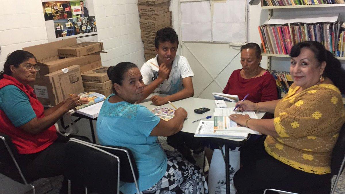 Concluye tu primaria o secundaria, en #INEEJAD lo puedes lograr. #ConEducaciónCrecemos https://t.co/OINiBcoS9y