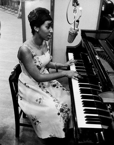 Aretha Louise Franklin- civil rights activist, feminist and the Queen of Soul. Rest in paradise. https://t.co/SPLl3tPVwg
