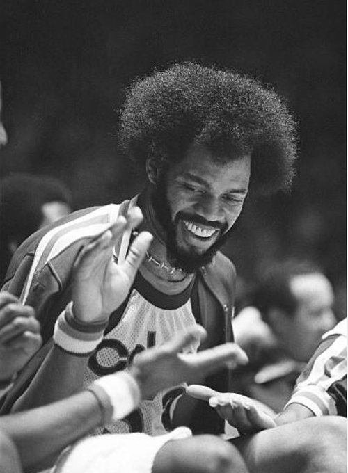 Happy birthday to Kentucky great Artis Gilmore! The A-Train turns 69 today!