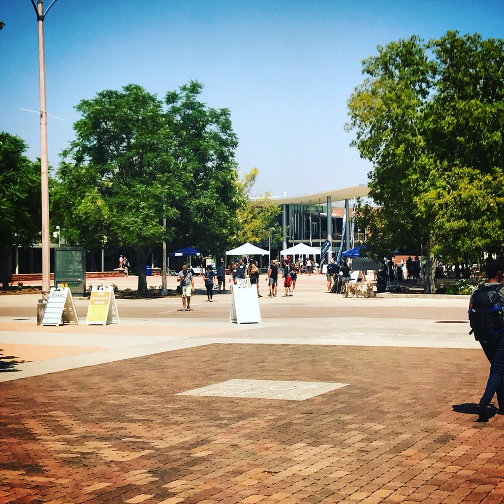 RT @CSUAgSci: The Plaza is buzzing 🐝 and we couldn't be more excited! #CSUAgSci #RamWelcome 🐏 https://t.co/uqzLFFxXIo