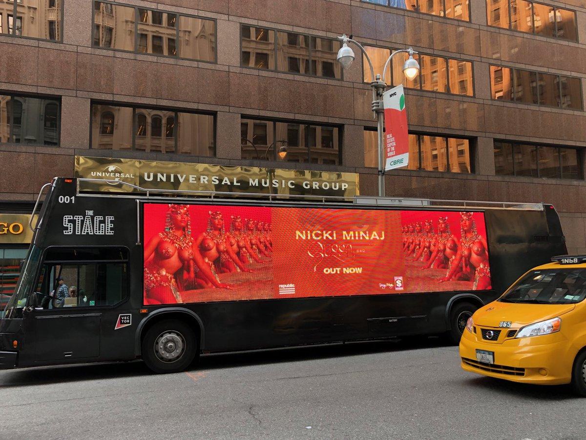 #Queen bus in NYC!!!!! ???? #QueenRadio is live now!!!! TUNE IN!!!! @AppleMusic https://t.co/teG6Rrrlio