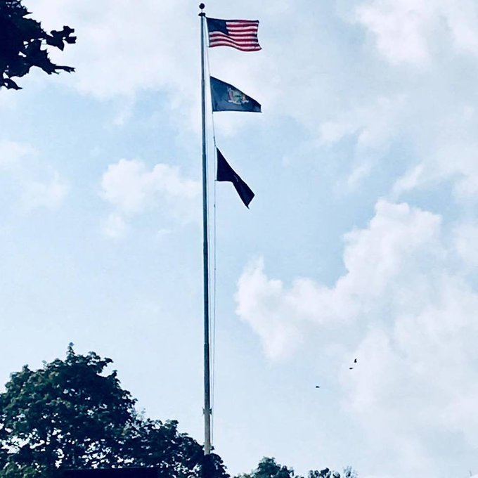 #NewYork#Bennington #BattleGround On  8/16/76 Key victory! #USFlag #NewYork & #POW/MIA Flags https://t.co/ngFNynKgis https://t.co/6OtwogN4LQ