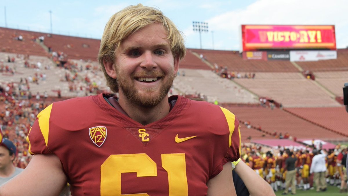 Blind USC long-snapper Jake Olson continues to amaze by jumping off pool high dive  https://t.co/ALn1hgodUt https://t.co/Nra17JVWaC