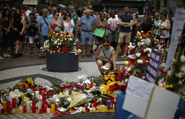 @BroadcastImagem: Celebração em memória das vítimas marca um ano dos ataques terroristas em Barcelona. Manu Fernandez/AP