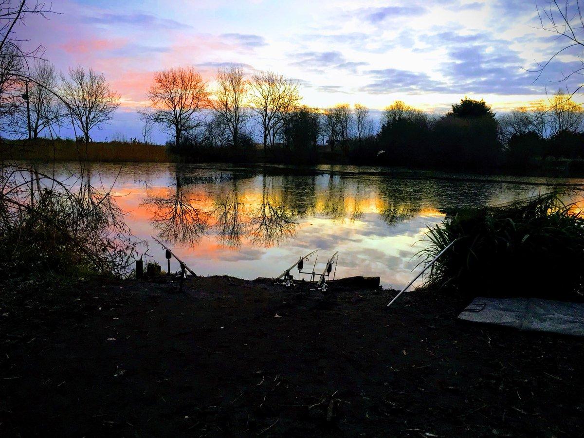 Beautiful 😍😍👌🏻  #carplife #fishinguk #fishing #fisherman #angler #sky #carp #carping #ca