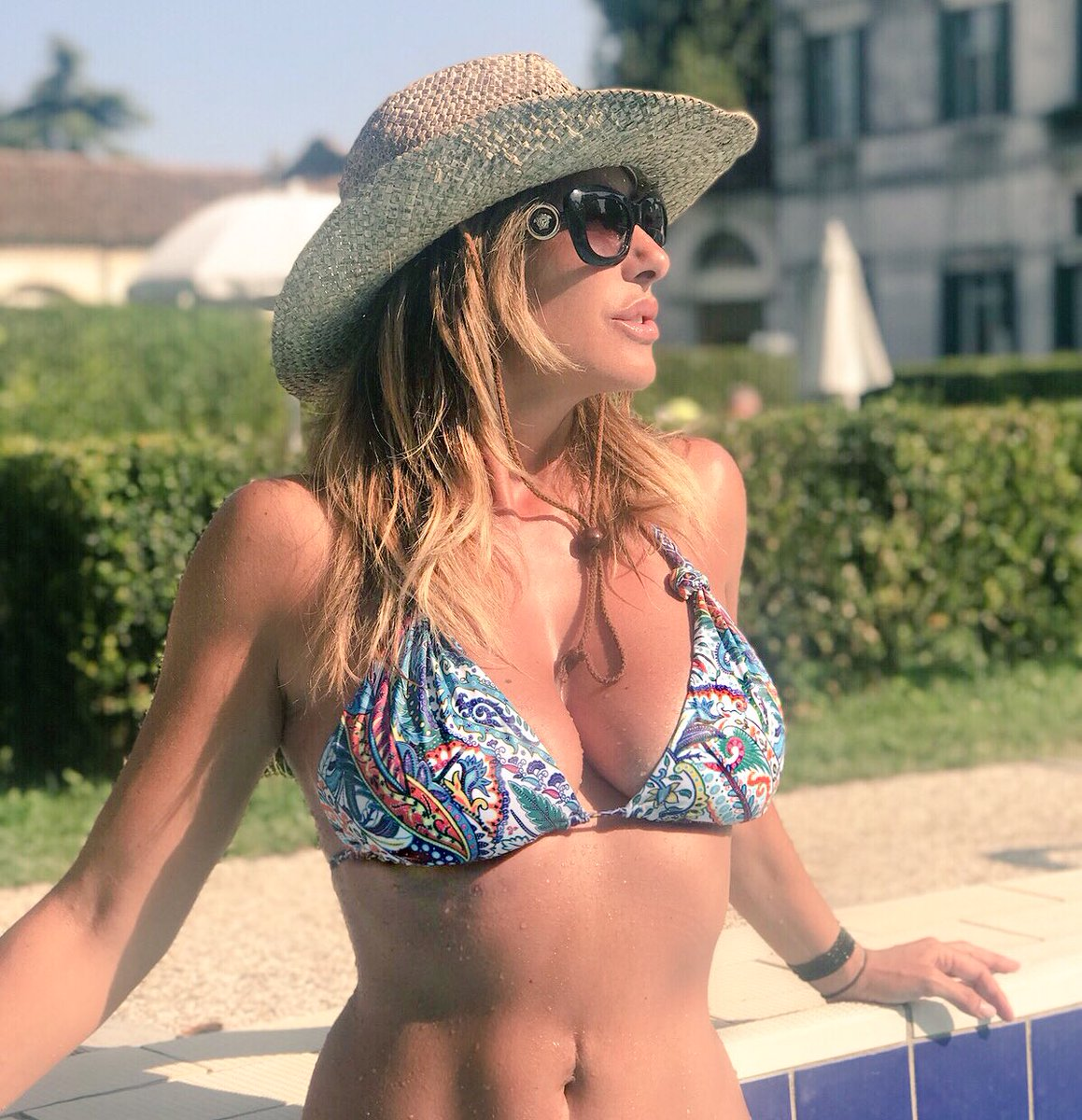 This summer  is .. #magic #summer2018 #sabrinasalerno #sabrina https://t.co/NGsoULmZNq