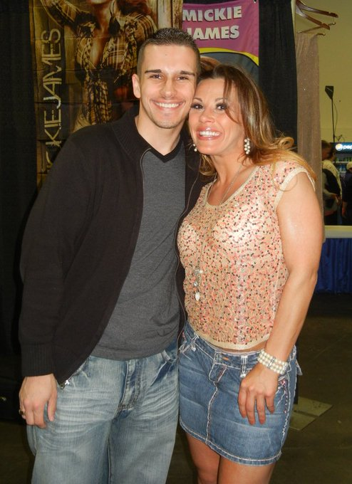 Happy Birthday to one of my all time favorite s Mickie James. Thanks for always being a sweetheart..