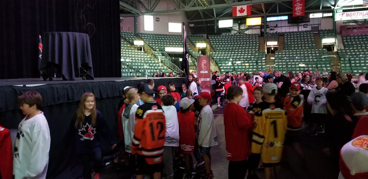 test Twitter Media - Young minor hockey players are getting excited about the opportunity to see @StanleyCup thanks to @Capitals forward @bconnolly8. #CityofPG https://t.co/TGBkMHnBvM