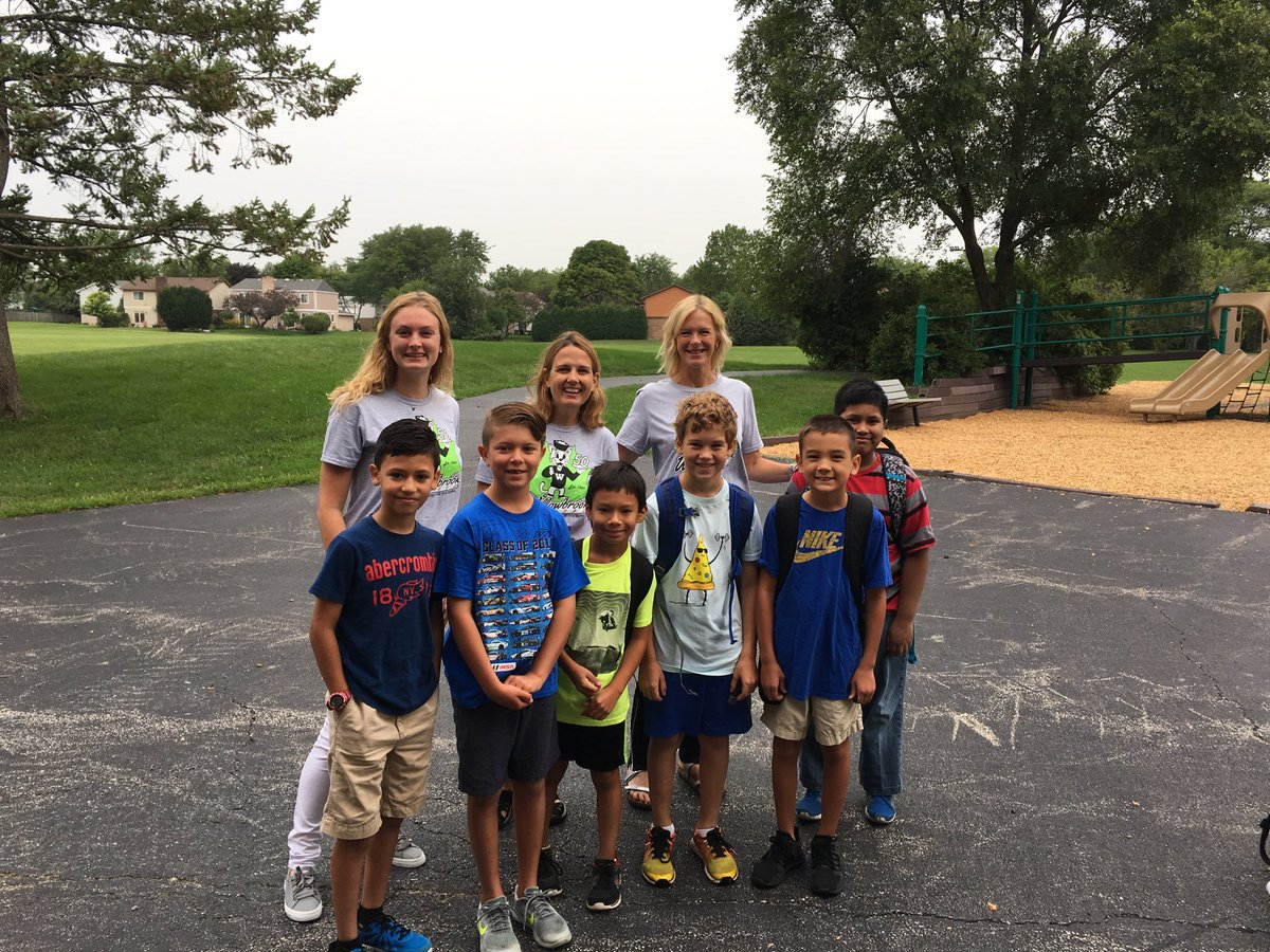 test Twitter Media - Our 4th grade teachers welcome students at the north door this AM. #Firstdayofschool2018 #d30learns https://t.co/JpAl9NbylX