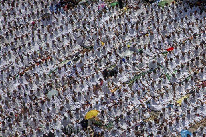 @BroadcastImagem: Peregrinação a Meca chega ao ponto culminante no Monte Arafat. Dar Yasin/AP