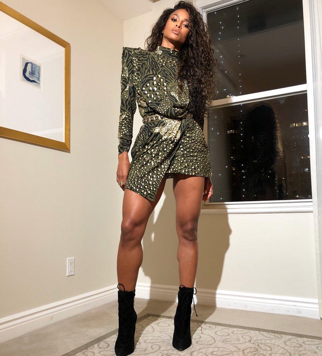 About last night... Dundas dress. https://t.co/QgshFqEBMH