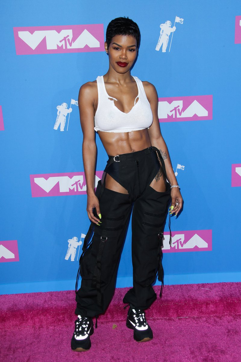RT @Variety: And the Moon Person for most incredible abs goes to... Teyana Taylor https://t.co/IiR1xnCxBu #VMAs https://t.co/DBzb7iajOB