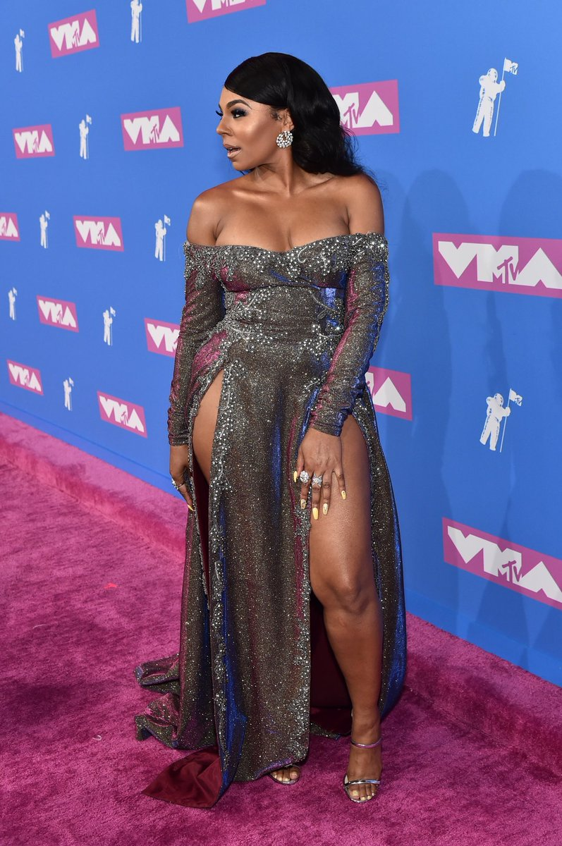RT @HotNewHipHop: Ashanti never lost it ???? #VMAs https://t.co/0PC8TuqdWc >❤️