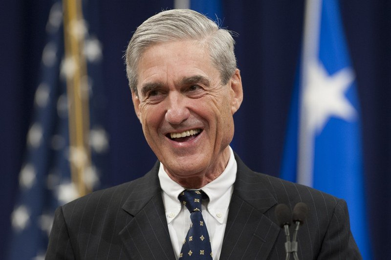 Hey @realDonaldTrump, if you had not seen a picture of Robert Mueller laughing, we thought you should see one because we thought it was really adorable.  This is Robert Mueller laughing, okay?  BTW Mueller laughing.  MUELLER IS LAUGHING IN THIS PICTURE AND IT'S AWESOME. 😁 https://t.co/LdkWLzuVyv